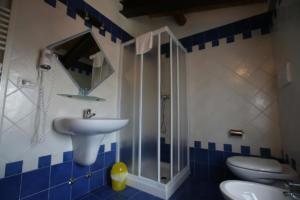 49.Appartamento blu bagno